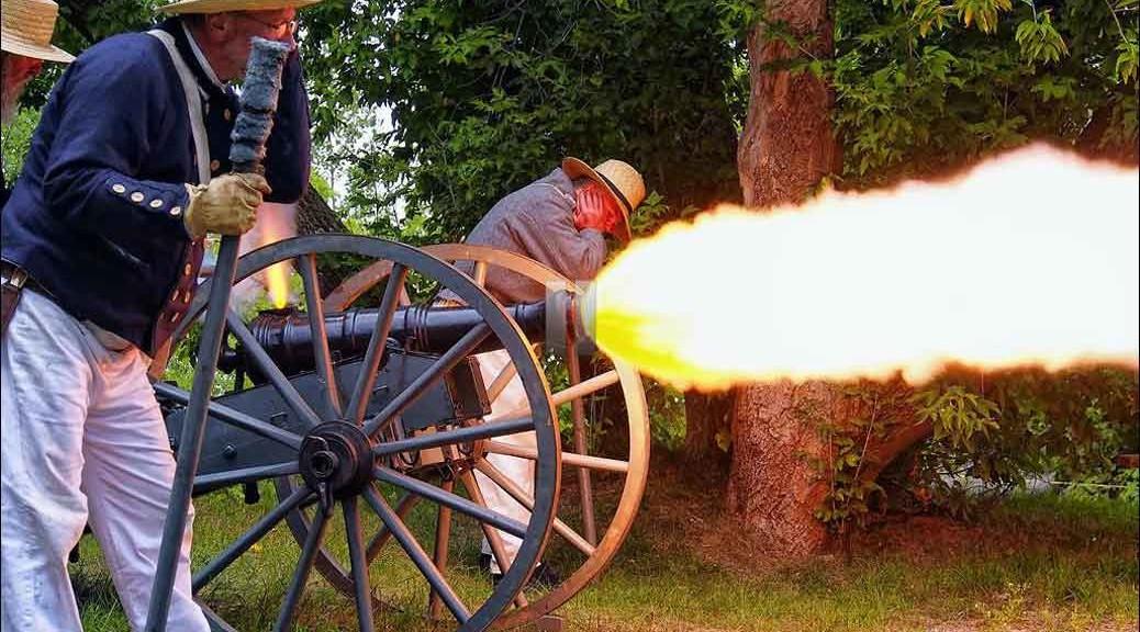 Cannon Firing at Wasaga Under Siege, 2013
